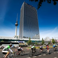 Cycling / Radsport: Garmin Velothon Berlin 2015