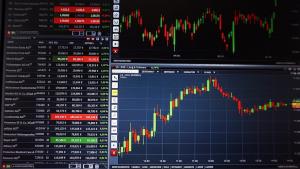 Quelle: https://pixabay.com/de/photos/chart-trading-kurse-forex-analyse-1905224/